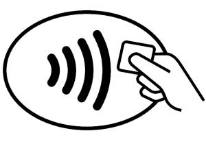 Symbol for kontaktløs betaling: Fire vertikale streker med bøy, i stigende rekkefølge. Den første er kortest, den siste lengst. En hånd holder en chip mot strekene.